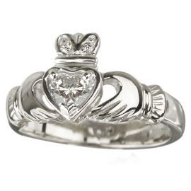 18kt White Gold Diamond Claddagh Ring S2503